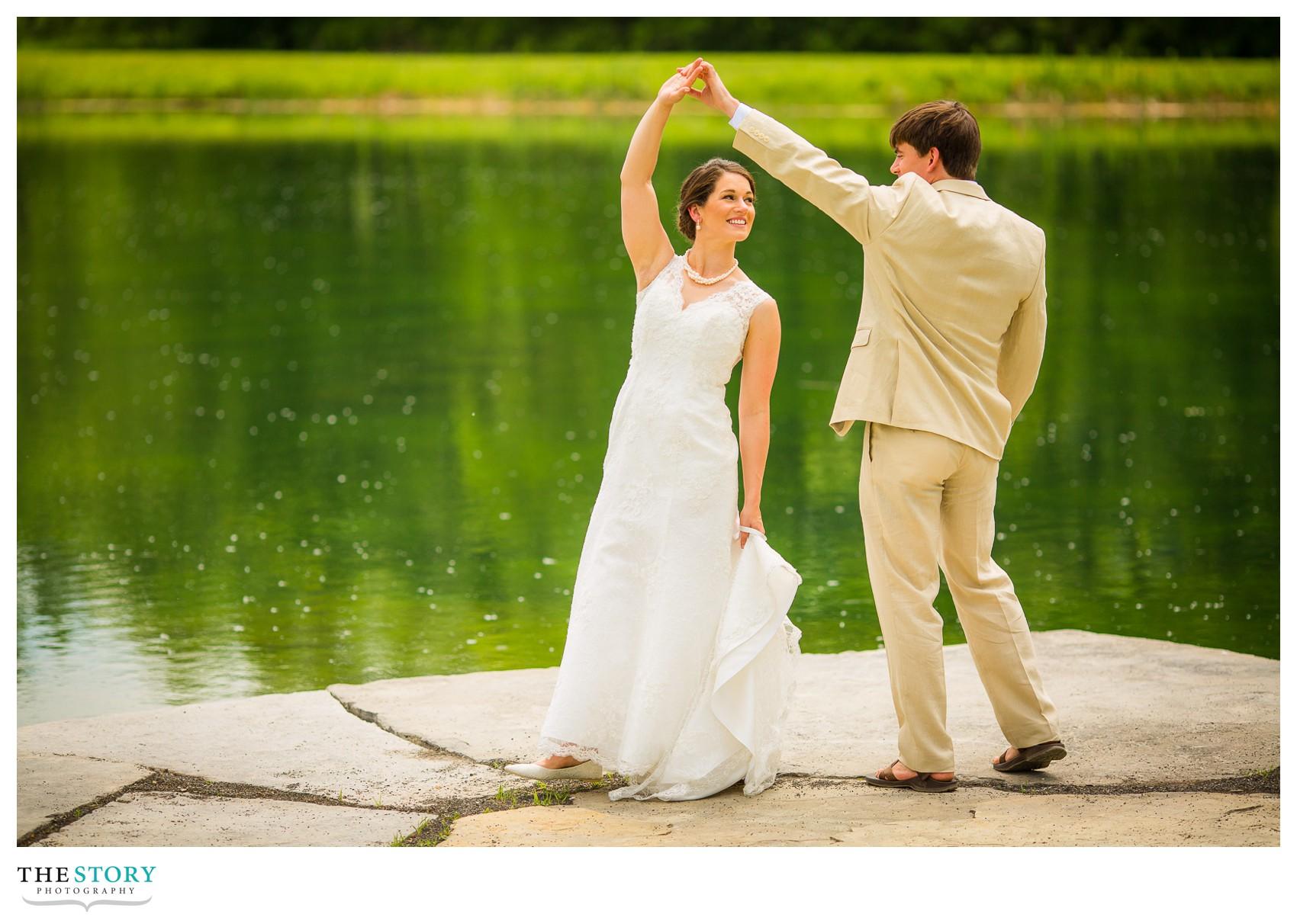 wedding photos at Wolf Oak Acres
